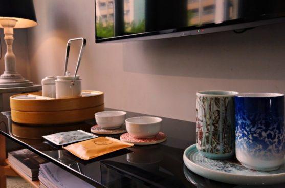 Play Design Hotel tea pot